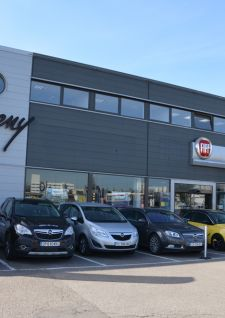 Meny Automobiles, Meny Nancy: 2 sites, 7 marques.