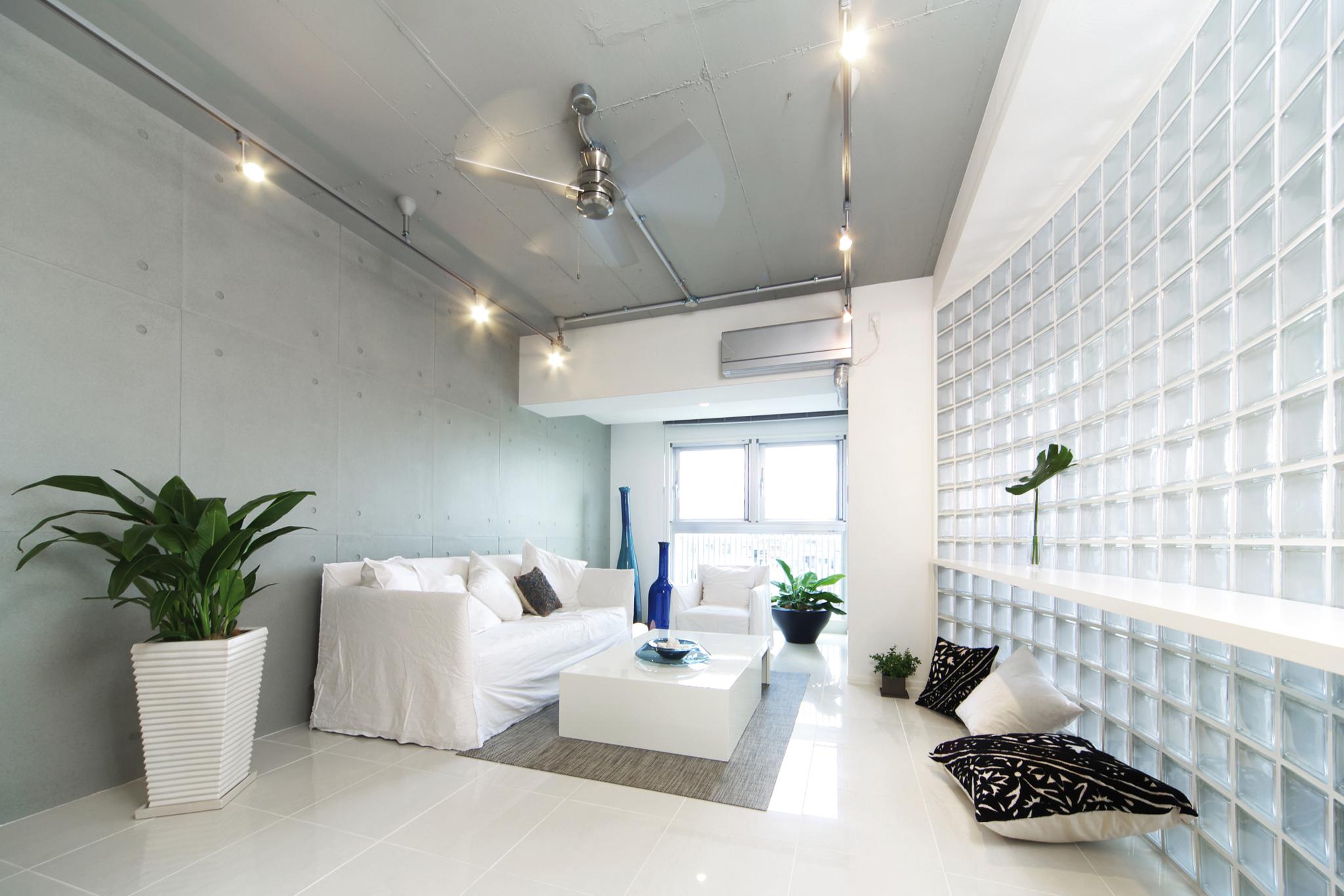toute la lumi re sur les briques de verre lorraine magazine. Black Bedroom Furniture Sets. Home Design Ideas