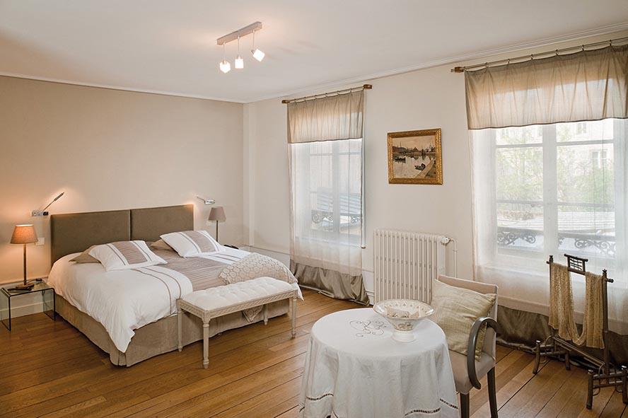 chambre couleur sable et bleu avec des id es int ressantes pour la conception de. Black Bedroom Furniture Sets. Home Design Ideas