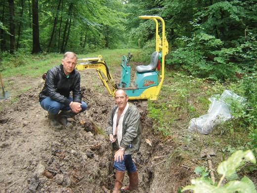 Philippe Sugg et Gérard Louis au moment de la découverte des corps des Poilus en 2014 - Crédits P.S. - G.L.