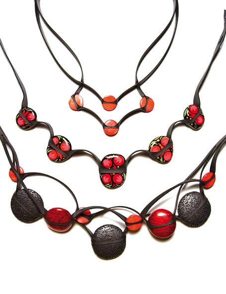 Desbat Elise - collier-rouge-1